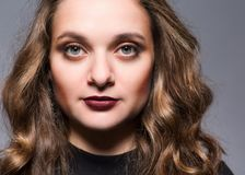 Портрет девушки в студии Стоковые Фото
