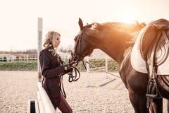 Портрет девушки и лошади Стоковые Фотографии RF