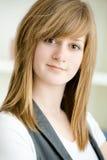 портрет девушки предназначенный для подростков стоковые фото