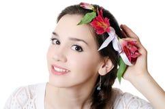 Портрет девушки с цветками Стоковые Изображения RF