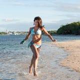 Портрет доминиканской девушки одевая бикини Стоковые Фотографии RF
