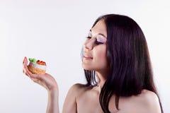 Портрет девушки взволнованности Торт Стоковые Изображения