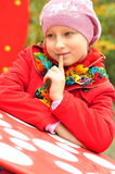 Портрет девушки в крышке и куртке Стоковые Фотографии RF