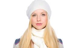 Портрет девушки в одеждах зимы Стоковое Изображение