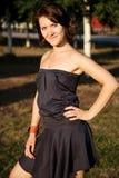 Портрет девушки в парке стоковое изображение rf