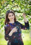 Портрет девушки в саде Стоковое Изображение RF