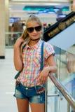 Портрет девушки в солнечных очках Стоковая Фотография RF