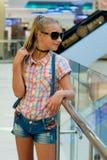 Портрет девушки в солнечных очках Стоковое фото RF