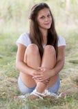 Портрет девушки 14 лет в природе Стоковые Фото