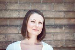 Портрет девушки женщины снаружи Стоковые Фотографии RF