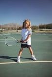 Портрет девушки играя теннис Стоковое фото RF