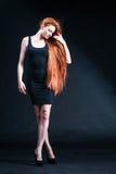 Портрет девушки имбиря красоты Здоровые длинние красные волосы Красивое yo Стоковая Фотография RF