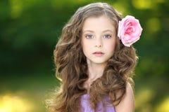 портрет девушки немного outdoors Стоковое Изображение RF
