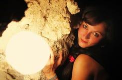 Портрет девушки около лампы Стоковые Фотографии RF