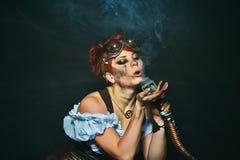 портрет девушки Пар-панка на темной предпосылке Стоковая Фотография RF