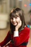 Портрет девушки ребенк во времени рождества Стоковые Фотографии RF