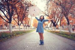 Портрет девушки с зонтиком Стоковые Фотографии RF