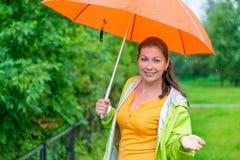 Портрет девушки с зонтиком Стоковая Фотография RF