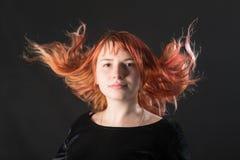 Портрет девушки с красными волосами Стоковое Изображение