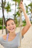 Портрет девушки фитнеса - здоровый усмехаться женщины пригонки Стоковая Фотография RF