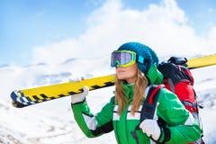 Портрет девушки лыжника Стоковая Фотография