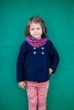 Портрет девушки preschooler снаружи Стоковые Фотографии RF