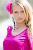 Портрет естественно красивой белокурой женщины стоковое фото rf