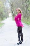 Портрет естественно красивой белокурой женщины стоковые изображения rf