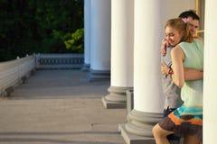 Портрет детеныша в парах влюбленности в парке Стоковая Фотография RF