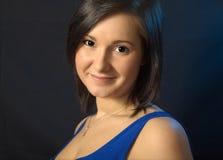 Портрет женщины в голубой мантии Стоковая Фотография