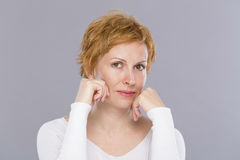Портрет 40 лет женщины Стоковая Фотография
