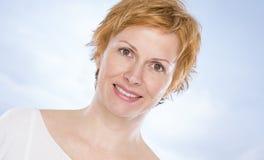 Портрет 40 лет женщины Стоковое Фото