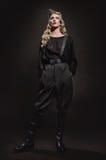 Портрет женщины в воинских одеждах Стоковая Фотография RF