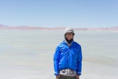 Портрет женщины в холоде боливийских Анд Стоковое фото RF