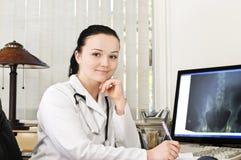 портрет женщины доктора Стоковое фото RF