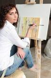 Портрет женщины красоты модельный с курчавое коричнев-с волосами Стоковые Фотографии RF