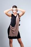 Портрет женщины моды в современном платье Стоковое фото RF