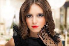 Портрет женщины моды молодой красивый стоковая фотография rf