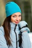 Портрет женщины нося теплые одежды стоковые изображения rf