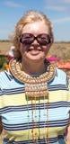 Портрет женщины нося традиционное handmade стоковое изображение