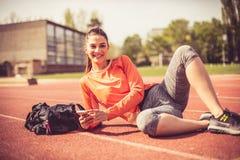 Портрет женщины спорта снаружи Стоковые Изображения RF