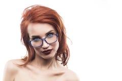 Портрет женщины стекел Eyewear изолированный на белизне Стоковое Изображение