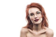 Портрет женщины стекел Eyewear изолированный на белизне Стоковые Изображения