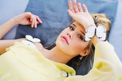 Портрет женщины с бабочками Стоковое Изображение RF