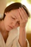 Портрет женщины с головной болью Стоковые Изображения RF