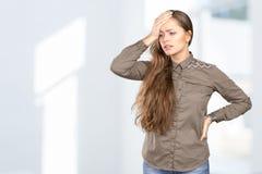 Портрет женщины с головной болью Стоковые Фотографии RF
