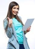 Портрет женщины улыбки с пустой белой доской Стоковые Фотографии RF