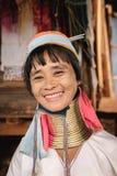 Портрет женщины шеи Padaung (Карена) длинной от Мьянмы Стоковые Изображения RF