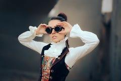 Портрет женщины Sci Fi ретро футуристический Steampunk Cosplay Стоковая Фотография RF