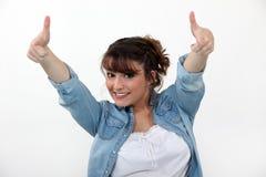 Портрет жизнерадостной девушки Стоковая Фотография